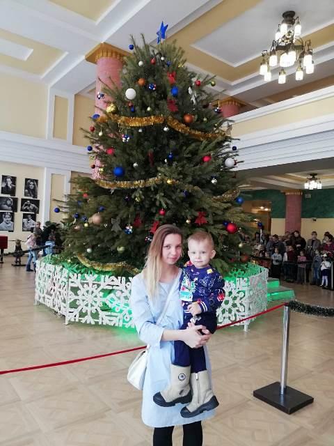 Дети из многодетных и малообеспеченных семей-прихожан Софийского храма посетили новогоднюю елку