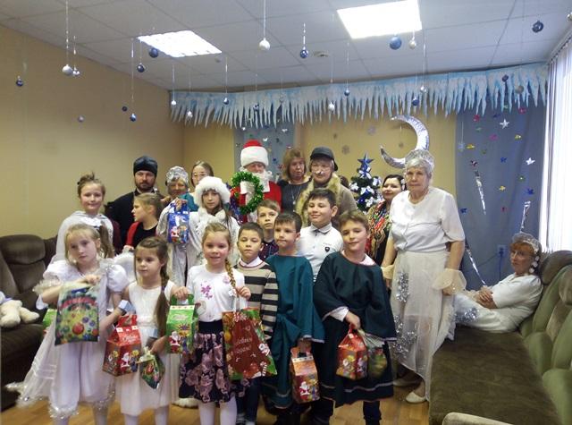 Рождественский праздник в центре социальной защиты населения