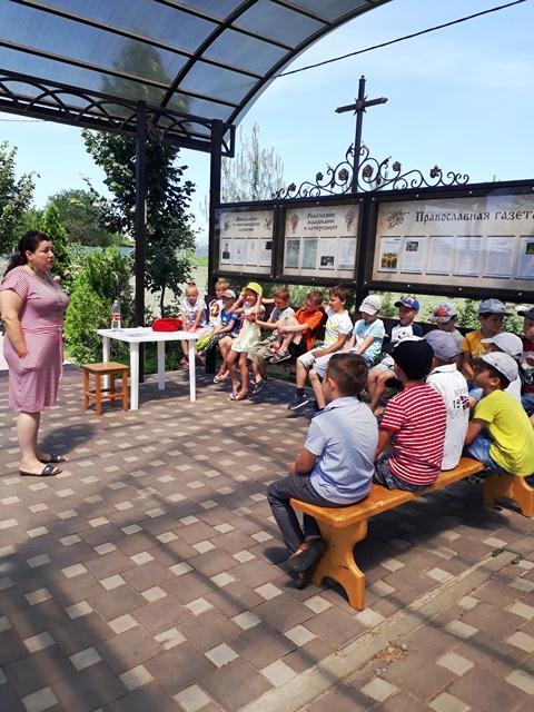 В дни летних каникул в воскресной школе Софийского храма состоялась встреча с волонтером поискового отряда «Лиза Алерт»