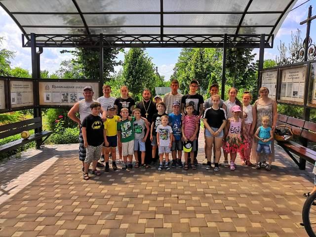 В Софийском храме открылся детский православный лагерь