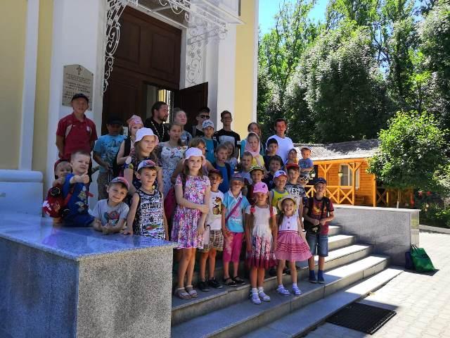 Воспитанники воскресной школы Софийского храма совершили паломническую поездку на подворье Свято-Иверского женского монастыря