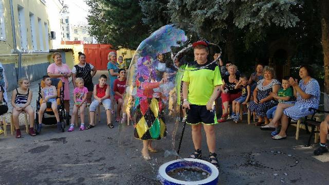 Добровольцы Софийского храма встретились с подопечными реабилитационного центра для детей с ограниченными возможностями здоровья