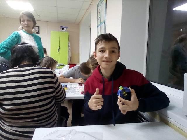 Ежегодно педагоги воскресной школы Софийского храма проводят мастер-класс «Мастерская Деда Мороза» в отделении медицинской реабилитации для детей с нарушениями ЦНС