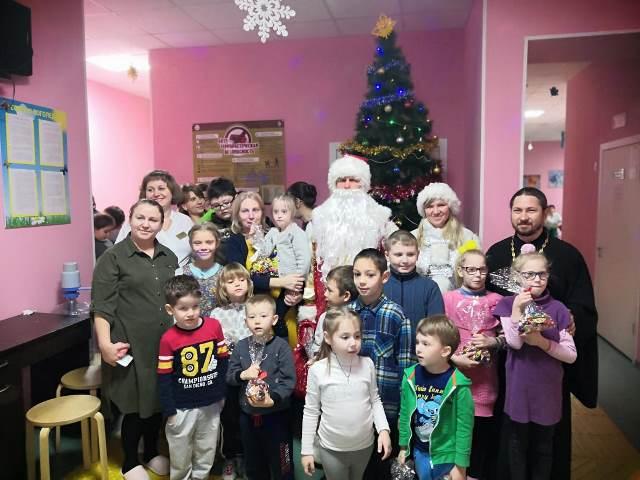Рождественский праздник для маленьких пациентов прошел в Областной детской больнице в Ростове-на-Дону