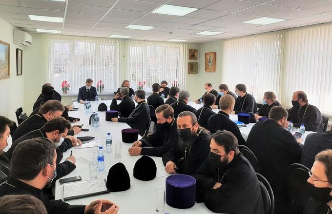 Настоятель Софийского храма принял участие совещание благочинных и настоятелей строящихся храмов Ростовской на Дону епархии
